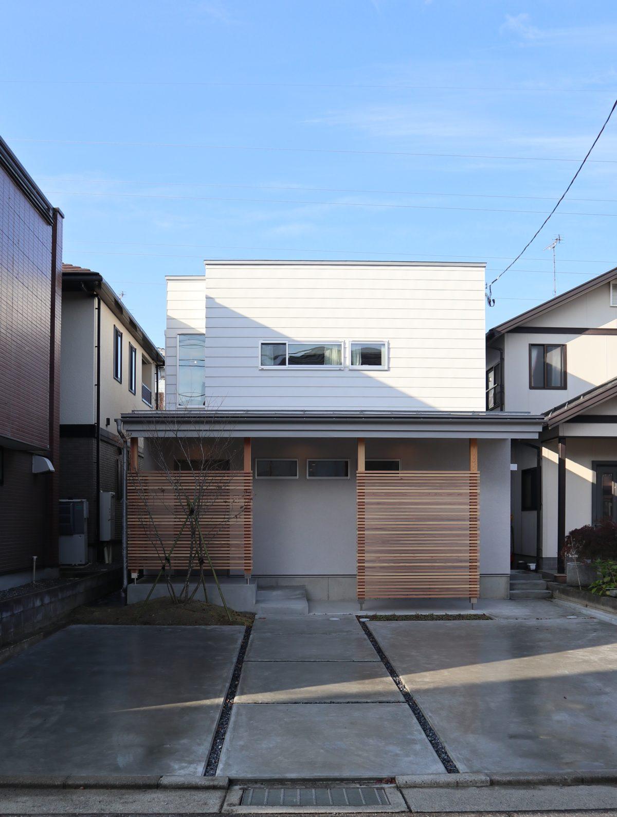 『斜光の家』